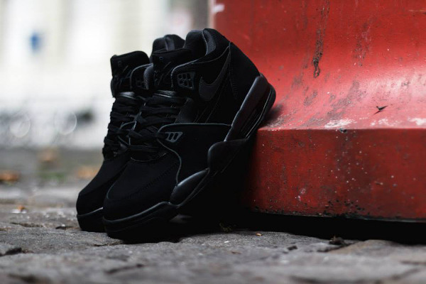 Nike Air Flight 89 'Triple Black' (2)