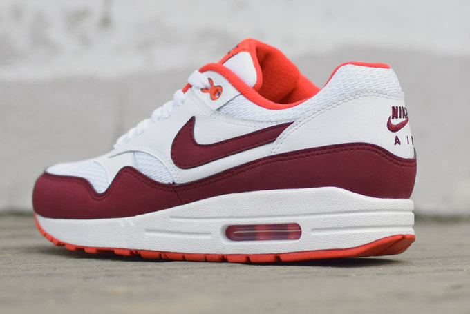 air max blanche et bordeau