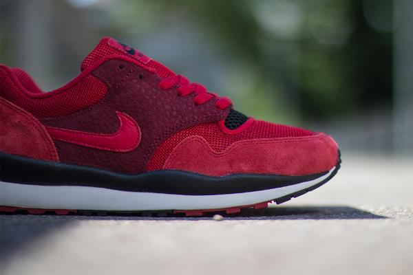 Nike Air Safari Team & Gym Red (3)