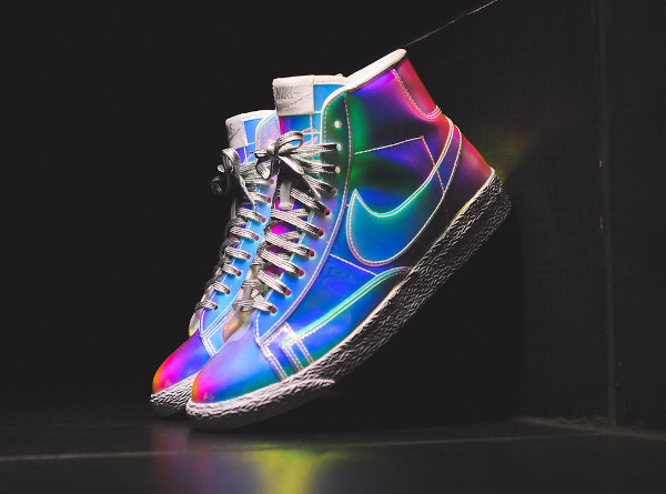 Nike Blazer Mid 'Iridescent' photo (8)