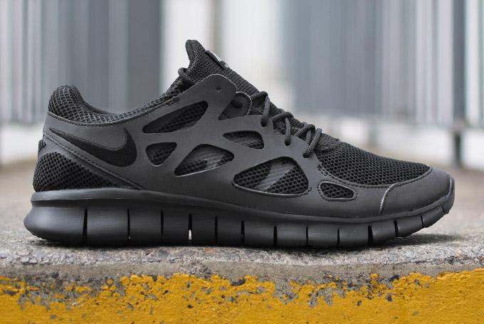 revendeur 14fb2 08dc0 Où acheter la Nike Free Run 2 'Triple Black' 3M ?