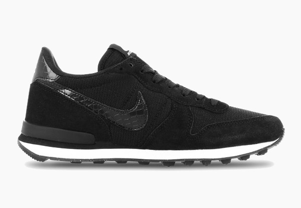 Nike Internationalist Black.jpg