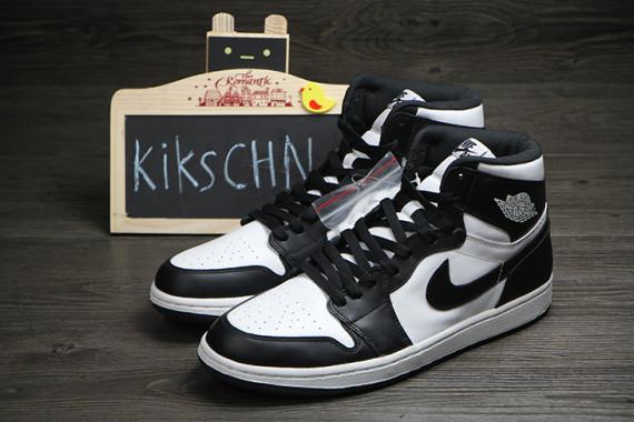 Air Jordan 1 Retro High OG Black & White