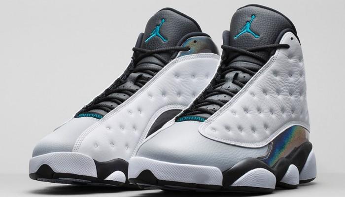 ... avec une toe box grise. Le cuir irisé lui apporte une touche de  fantaisie. En vente (170€) au Nike Store.fr : voir la paire. Air Jordan 13  Barons ...