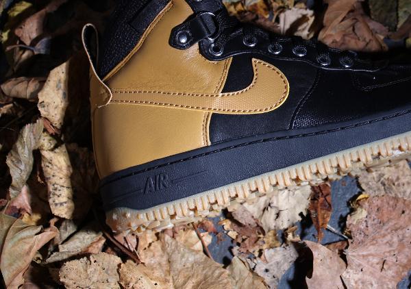Nike Air Force 1 Duckboot Black Gum Light Brown (1)
