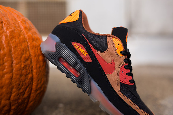 Nike Air Max 90 Ice Halloween QS (3)