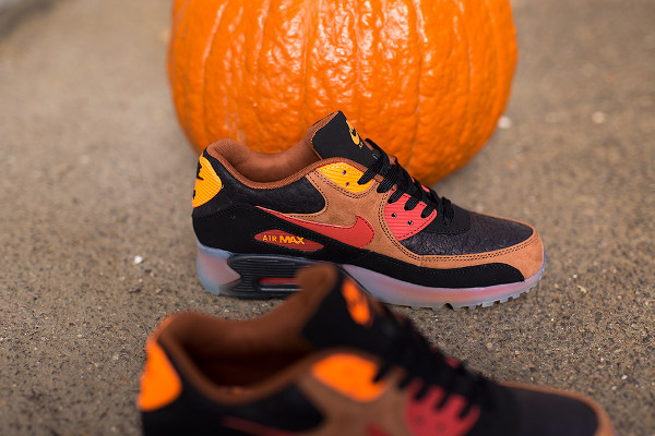 Nike Air Max 90 Ice Halloween QS (5)