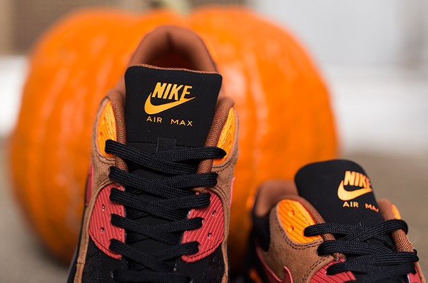 Nike Air Max 90 Ice Halloween QS (6)