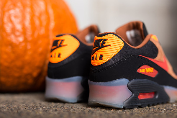 Nike Air Max 90 Ice Halloween QS (7)