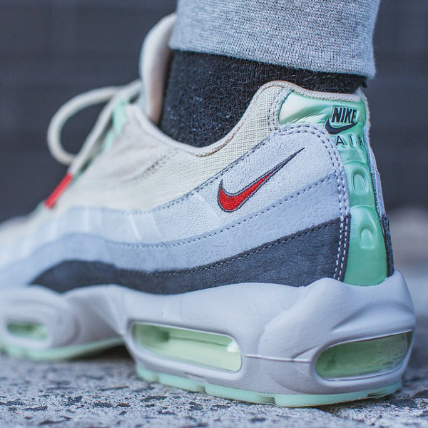 Nike Air Max 95 Halloween (Beige Green) (17)