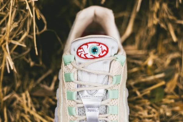 Nike Air Max 95 Halloween (Beige Green) (9)