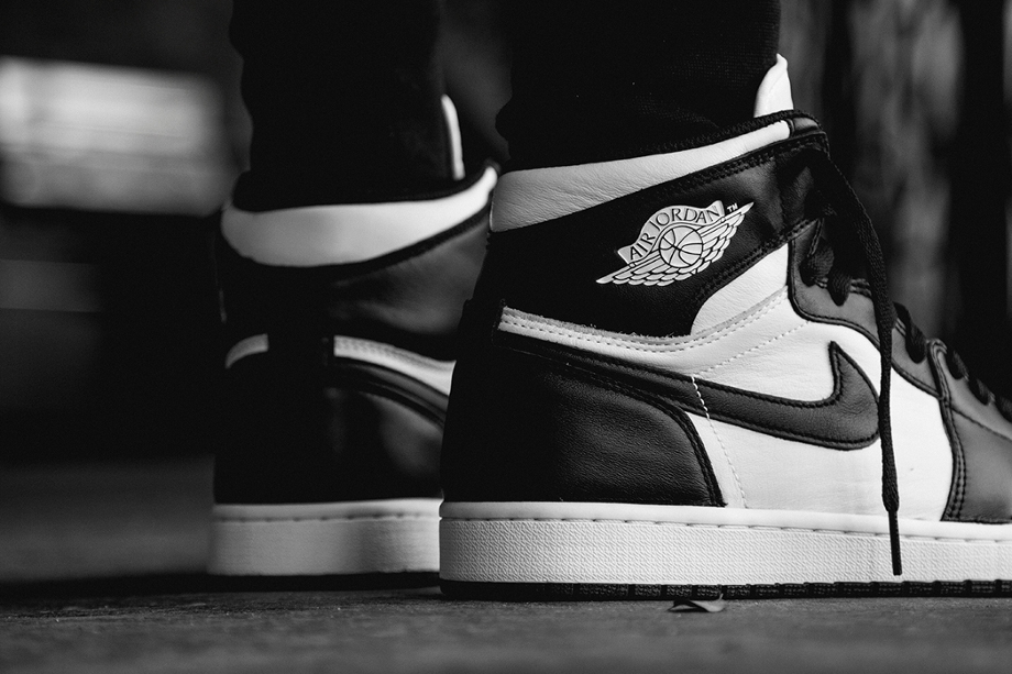 Air Jordan 1 High OG 1985 Black White (Retro 2014) aux pieds (3)