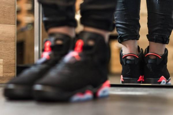 Air Jordan 6 Black Infrared 2014 BG aux pieds (5)