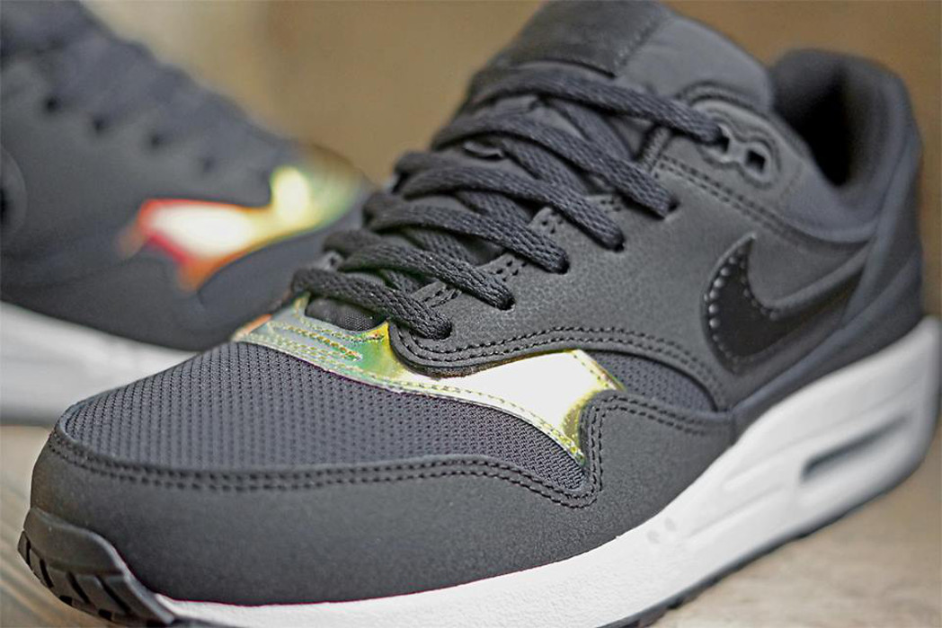 Nike Air Max 1 GS Iridescent couv