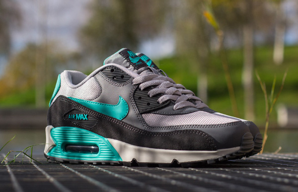 Nike Air Max 90 Essential Cool Grey Hyper Jade (2)