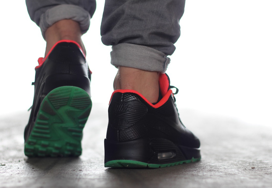 Nike Air Max 90 Hyperfuse ID Yeezy Black Solar Red