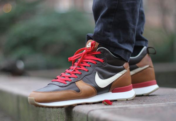 Nike Internationalist Mid Escape (1)