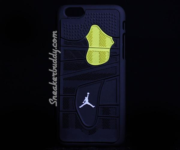 etui air Jordan 4 Thunder