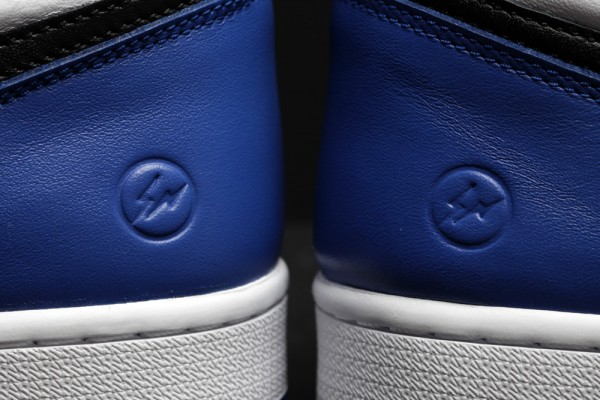 Air Jordan 1 Black Toe x Fragment Design (1)