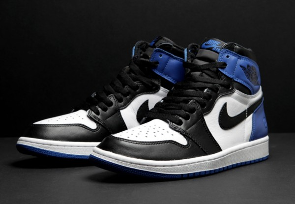 Air Jordan 1 Black Toe x Fragment Design (2)