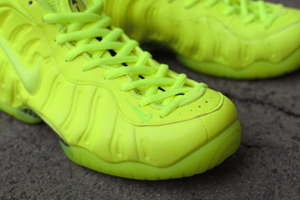 Nike Air Foamposite Pro Volt (5)