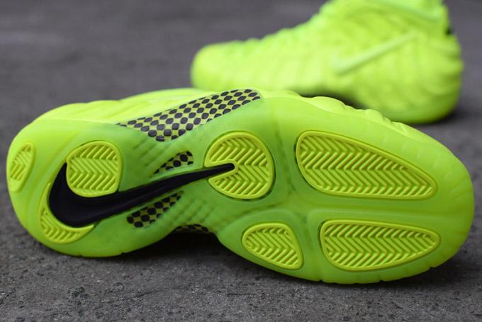 Nike Air Foamposite Pro Volt (9)