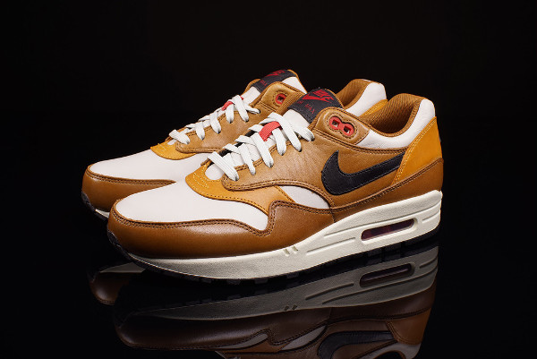 Nike Air Max 1 Escape Quickstrike  photo