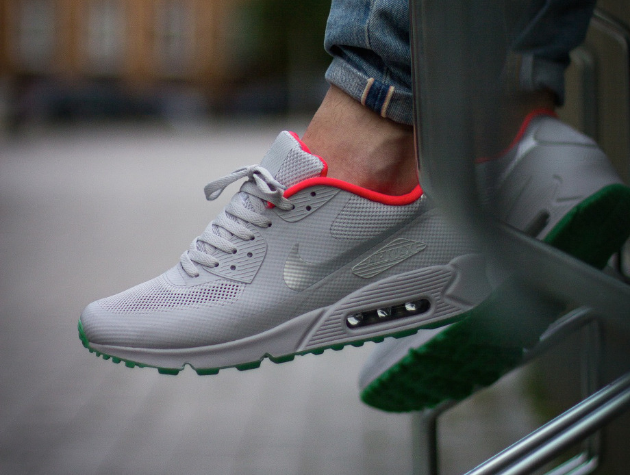 new york 18f82 7e181 Nike Air Max 90 Hyperfuse ID Yeezy Pure Platinum aux pieds (2)