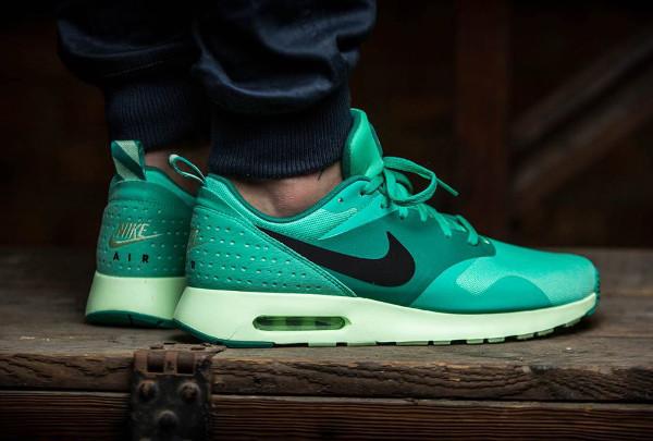 Nike Air Max Tavas Green Glow (3)