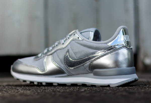 nike internationalist argent femme
