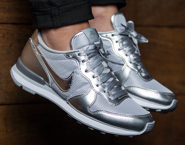 internationalist argent femme