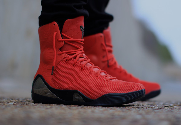 Nike Kobe 9 KRM EXT 'Red October' : où l'acheter ?