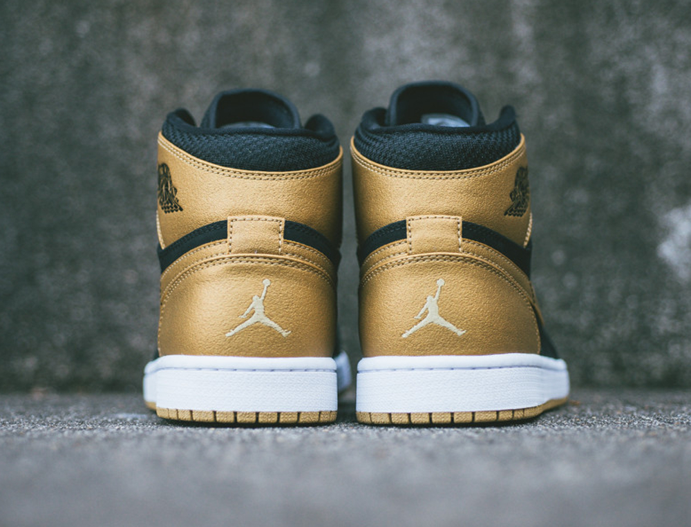 Air Jordan 1 High Retro 'Anthony Melo' (7)