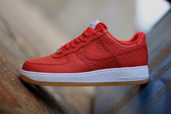 Nike Air Force 1 Low LV8 Red Crocodile (cuir rouge) (1)