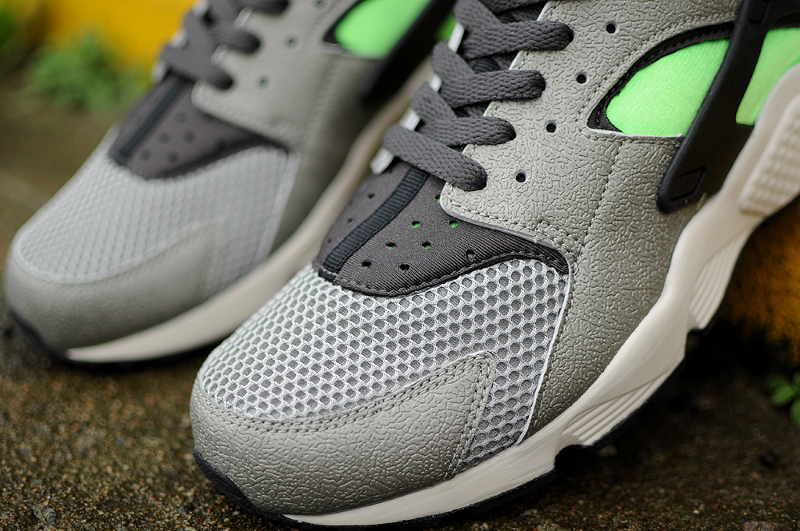Nike Air Huarache Mine Grey Mid Fog-Poison Green (3)