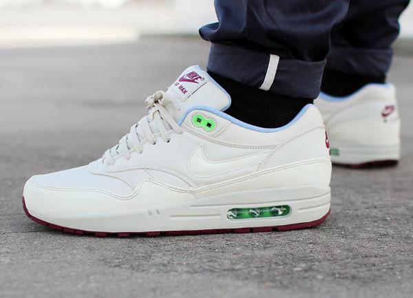 Nike Air Max 1 FB (Light Bone Poison Green) (1)