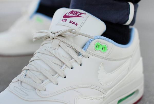 Nike Air Max 1 FB (Light Bone Poison Green) (2)