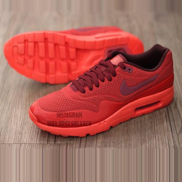 Nike Air Max 1 Ultra Moire 3M (Da Best Sneaker)