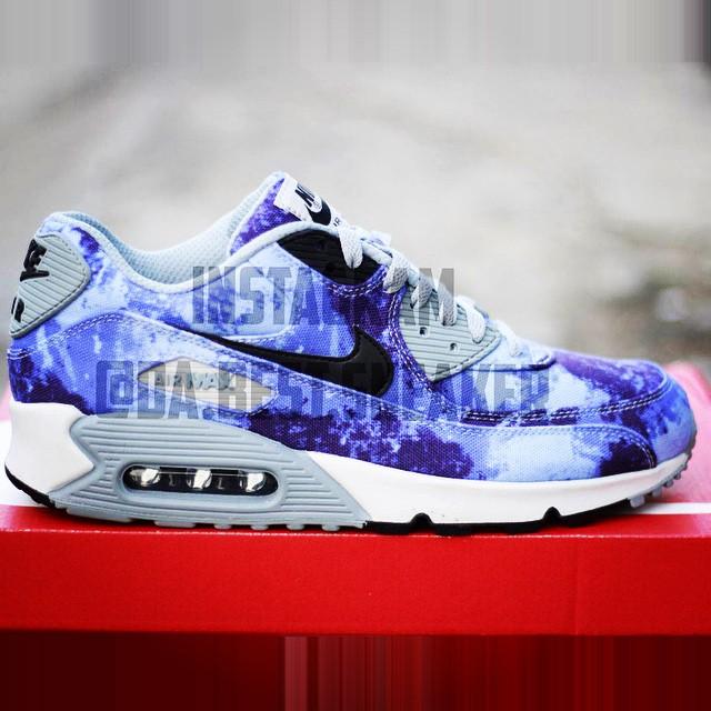 Nike Air Max 90 Blue Ice (Da Best Sneaker)