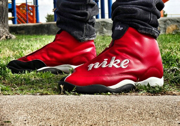 Nike Air Son Of Glow - butimnotasneakerhead