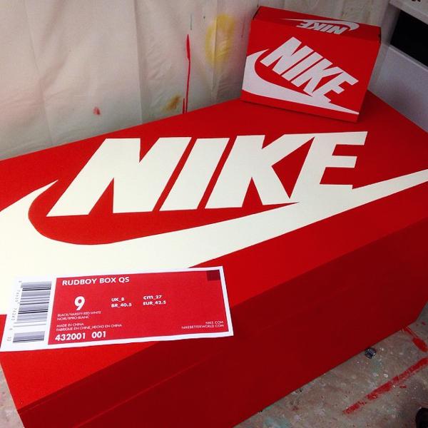 Nike Geante Boite Chaussure Vente A Zqvpugsm yOm0N8nvwP