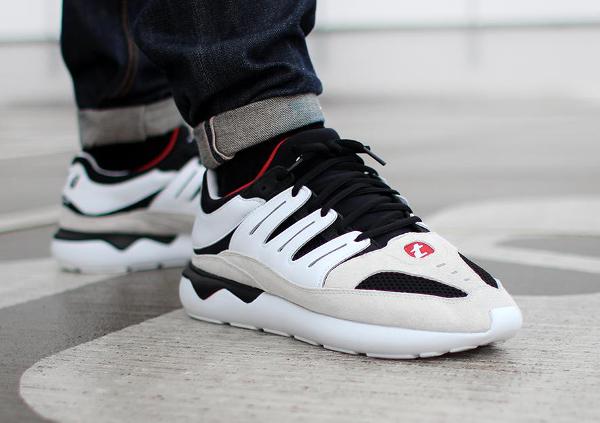 Adidas Tubular 93 OG (Black White) aux pieds (1)