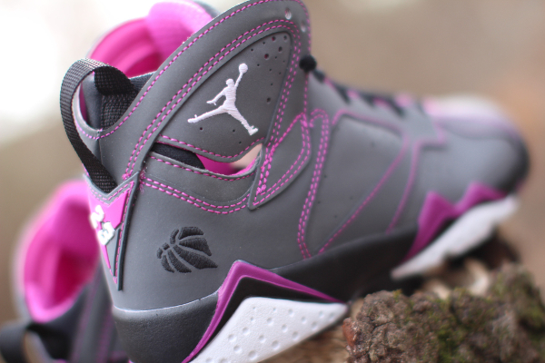 Air Jordan 7 30th 'Valentine's Day' (2)