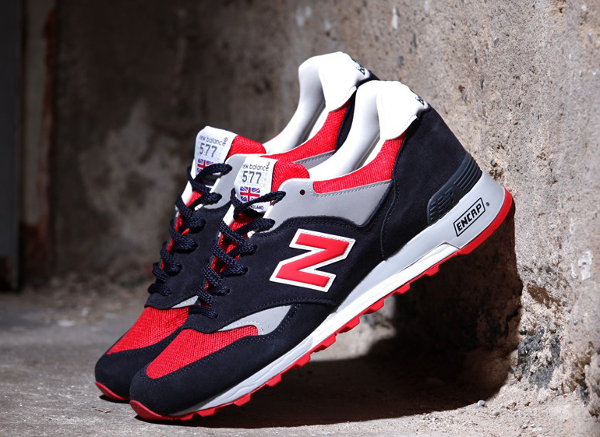 new balance rouge grise