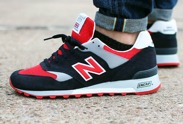 New Balance 577 'Navy Red' (made in england) aux pieds (2)