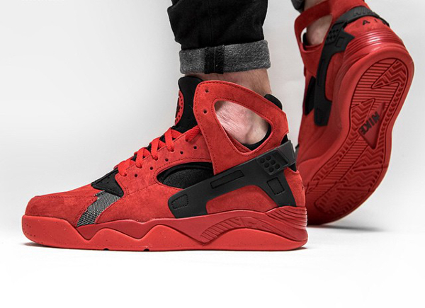 1bacfeda0171 Nike Air Flight Huarache Suede  University Red  (rouge) aux pieds (3