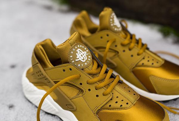 check out 79a31 8a26c Nike Air Huarache Bronzine (dorée) ...
