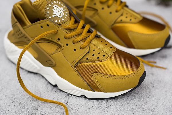 Nike Air Huarache 'Bronzine' (dorée) (2)