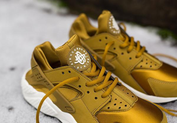 Nike Air Huarache 'Bronzine' (dorée) (5)