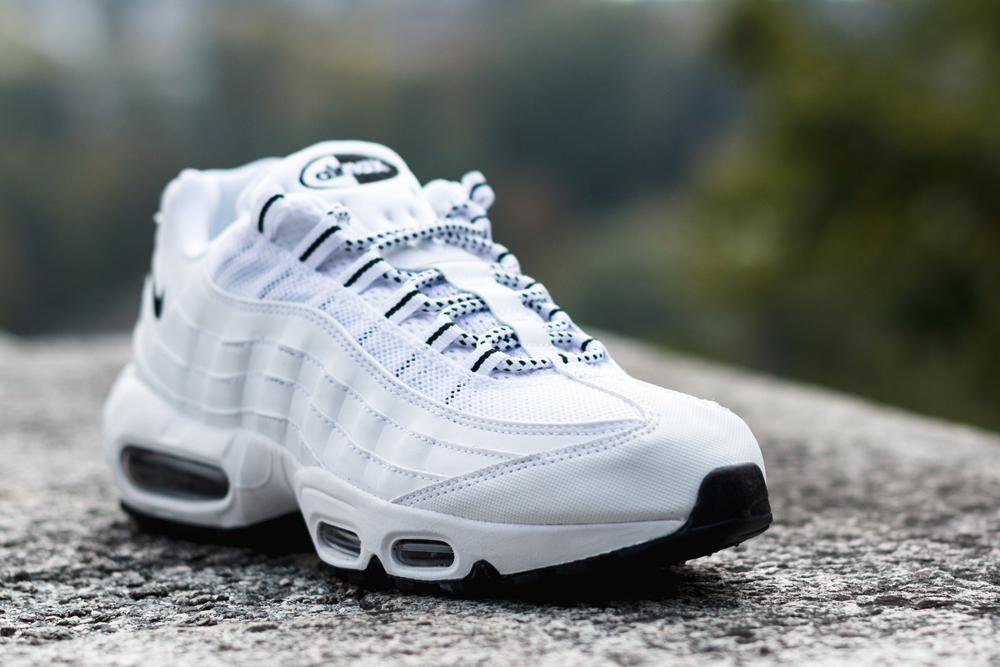air max 95 blanche point noir